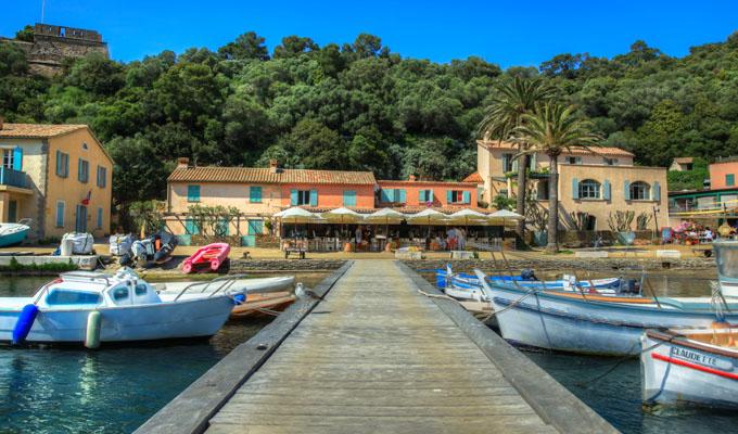 Restaurant PortCros LAnse De Port Cros - Location port cros